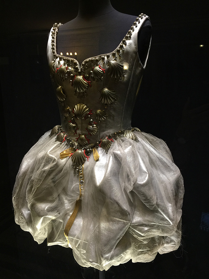 Palais-Garnier-Costume All Things French