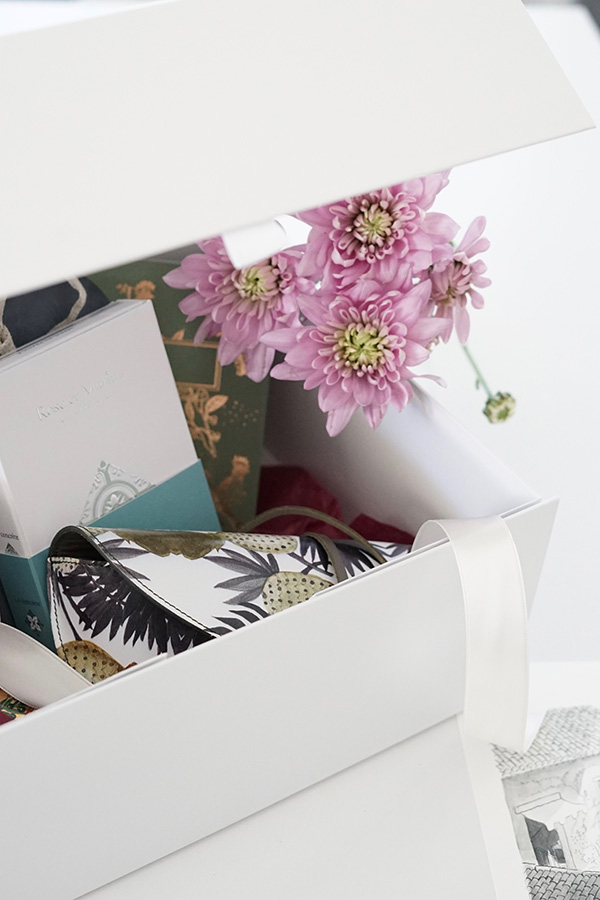 Sharon Santoni's My Stylish French Box