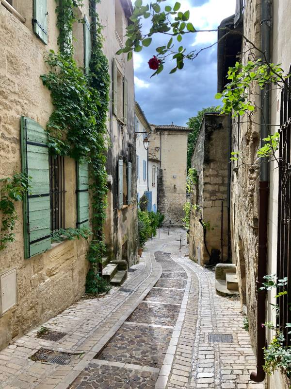 The Perfect Morning. Uzes. Provence Alpes Cote d'Azur. All Things French TOURS.