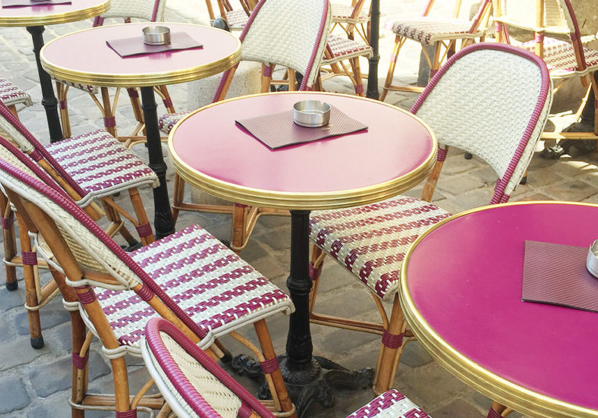 Francophile love. French Bistro in Paris. All Things Frenc
